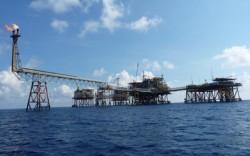 Xuất khẩu dầu thô giảm 17,4% so với cùng kỳ 2015