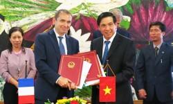 Pháp hỗ trợ Việt Nam phát triển nền kinh tế xanh