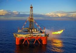 Khai thác dầu thô giảm 5,3% trong tháng Tư