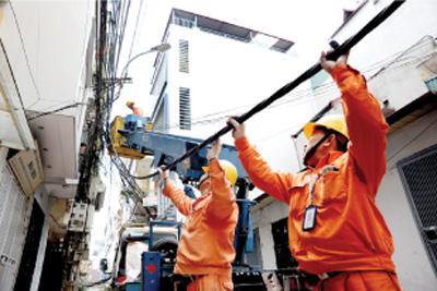 Hanoi untangles electricity cable spaghetti