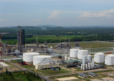 UK firm makes master design for Dung Quat oil refinery's expansion