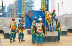Lắp đặt kết cấu thép lò hơi 1A của Nhà máy nhiệt điện Mông Dương 1