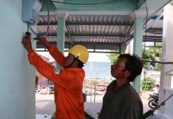 Xã đảo Hòn Nghệ chính thức có lưới điện quốc gia