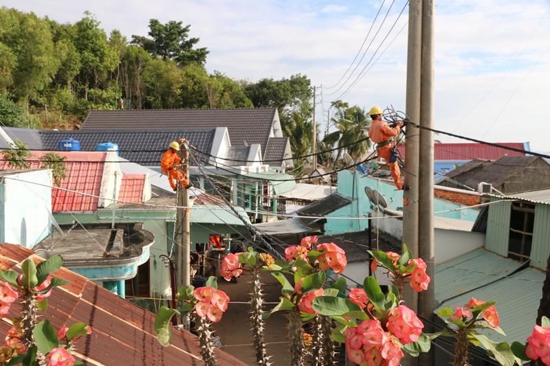 Người dân ở ba xã đảo tại Kiên Giang có điện lưới đón tết