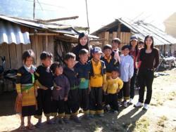 PC Sơn La: Hỗ trợ học sinh nghèo xã Chiềng Công