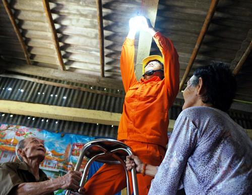 Tiết kiệm điện ở Trà Vinh: Hiệu quả từ sự đồng thuận