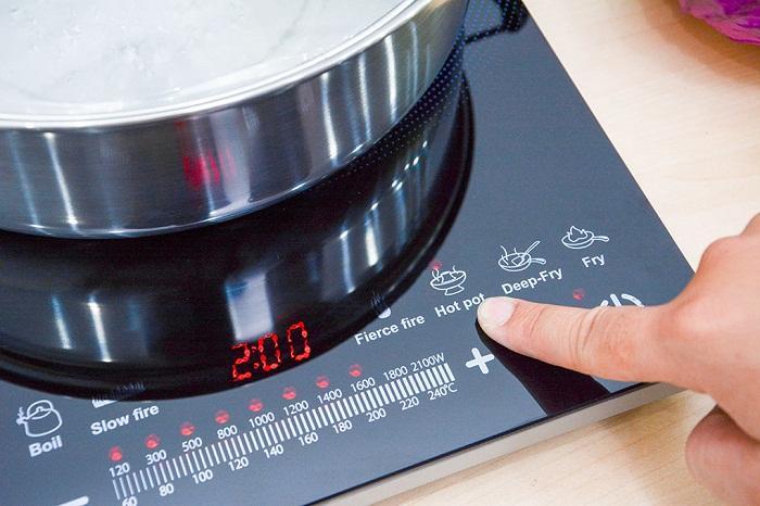 Những cách sử dụng bếp từ an toàn và tiết kiệm điện