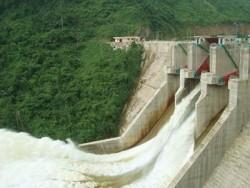 Đập thủy điện A Vương điều tiết nước hiệu quả cho vùng hạ du