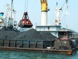 Vinacomin tiêu thụ gần 6 triệu tấn than trong 2 tháng đầu năm