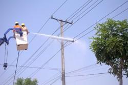 Hiệu quả từ công nghệ vệ sinh cách điện hotline
