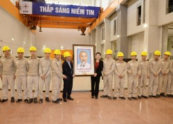Chủ tịch Quốc hội thăm và làm việc tại Thủy điện Lai Châu