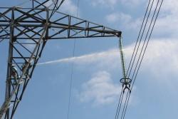 Truyền tải điện Kon Tum vệ sinh cách điện bằng nước áp lực cao