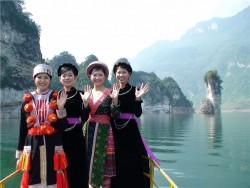Tuyên Quang cần chú trọng phát triển dịch vụ, du lịch