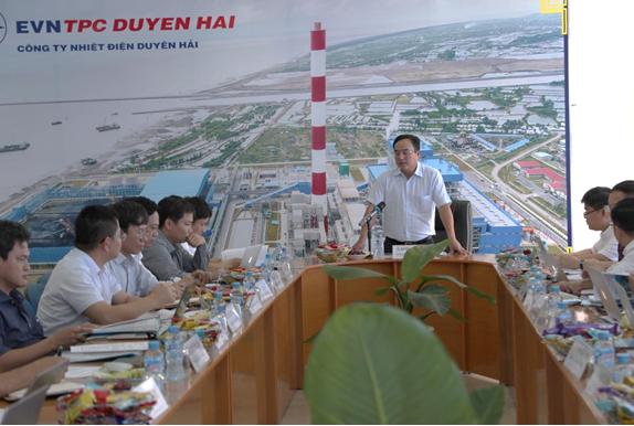 Chủ tịch EVN làm việc với Trung tâm điện lực Duyên Hải