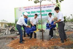 PTC2 hưởng ứng phong trào 'Tết trồng cây'