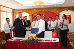 Vinacomin signs a MoU on Cooperation with Russian Kamaz Corporation