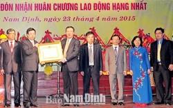 PC Nam Định đón nhận Huân chương Lao động hạng Nhất