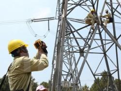 PTC2: Sửa đường dây 500 kV đang mang điện