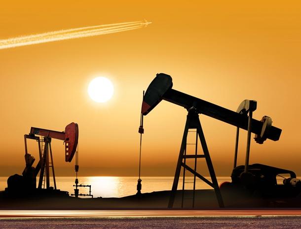 Sau lên đỉnh, giá dầu mỏ đảo chiều đi xuống