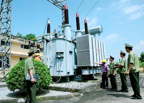 TTĐ Kon Tum kiểm tra an ninh lưới truyền tải điện