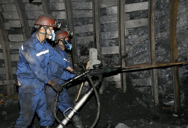 Công đoàn than Mạo Khê đảm nhận nhiều công việc khó 2