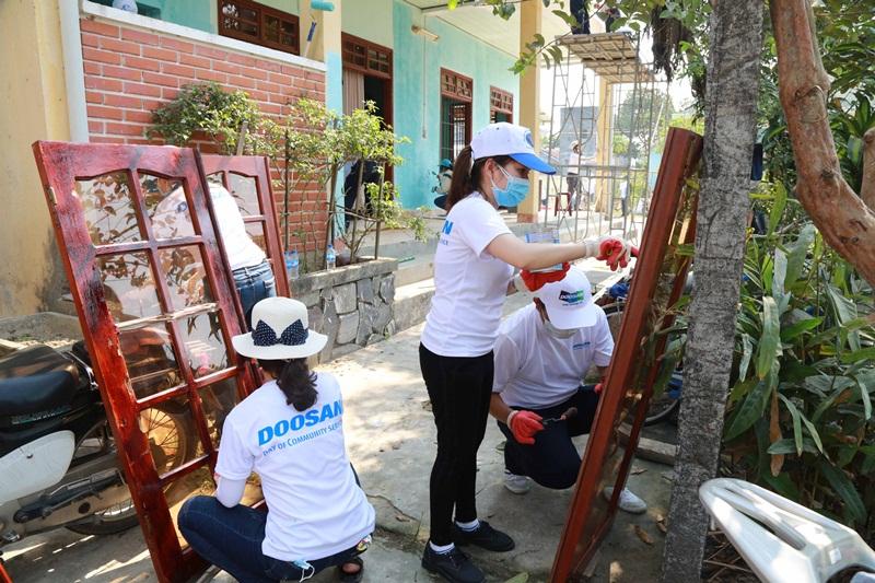"""Doosan với hoạt động """"Ngày phục vụ vì cộng đồng"""" 3"""
