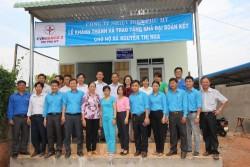 Công ty Nhiệt điện Phú Mỹ trao nhà cho hộ nghèo