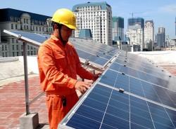 EVNHANOI đẩy mạnh phát triển điện mặt trời trên mái nhà