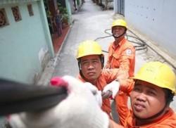 Nhiều giải pháp đảm bảo cấp điện mùa nắng nóng của EVNHANOI