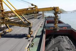 Kho vận và cảng Cẩm Phả tiêu thụ 9,8 triệu tấn than trong quý I