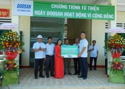 Doosan Vina với chương trình 'Ngày hội chia sẻ yêu thương'