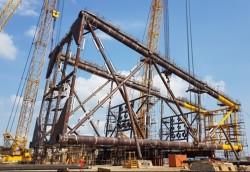 Lắp dựng thành công Panel Row A Chân đế BK-21 mỏ Bạch Hổ