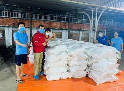 Công đoàn PV Drilling cấp gạo cho người lao động trong dịch Covid-19