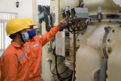 EVNHANOI đảm bảo cung cấp điện tại ổ dịch Covid-19 thôn Hạ Lôi