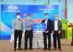 EVNGENCO1 ủng hộ 3 tấn gạo cho người dân phường Tân Mai (Hà Nội)