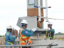 Lắp đặt kết cấu lò hơi số 1 dự án Nhiệt điện Vân Phong 1