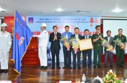 PVC-MS đón nhận Huân chương Bảo vệ Tổ quốc hạng Nhì