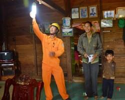 EVN SPC: 98.000 bóng đèn tiết kiệm điện đã được thay thế