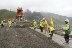 Hoàn thành đập bê tông đầm lăn thuỷ điện Lai Châu