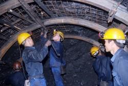 Dừng khai thác than tại các vị trí vi phạm an toàn
