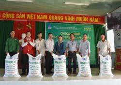 PVFCCo hỗ trợ nông dân trồng dưa hấu ở Quảng Ngãi