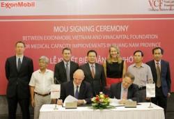 ExxonMobil tài trợ cho Chương trình Nâng niu sự sống