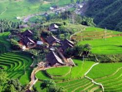 Lào Cai cần phát triển mạnh du lịch