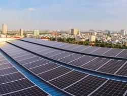 EVNCPC trả gần 1 tỷ đồng cho khách hàng bán ĐMT trên mái nhà