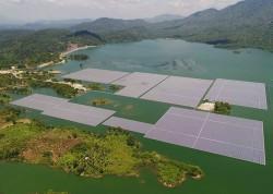 Đóng điện Nhà máy điện mặt trời nổi hồ Đa Mi