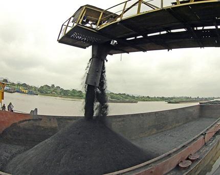 5 tháng đầu năm, Kho vận Đá Bạc tiêu thụ 4,5 triệu tấn than sạch