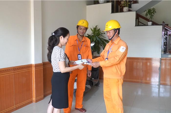 PC Quảng Bình: Tư vấn khách hàng sử dụng điện an toàn, tiết kiệm