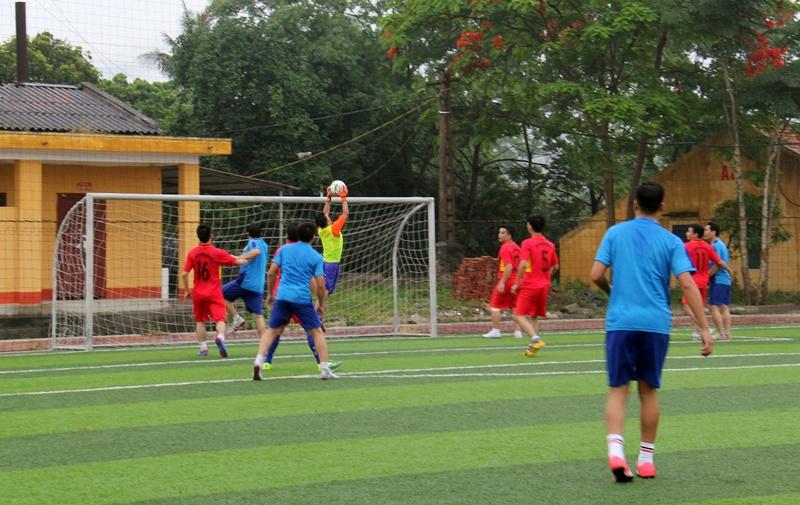 Đoàn thanh niên than Quảng Ninh giao lưu bóng đá 3
