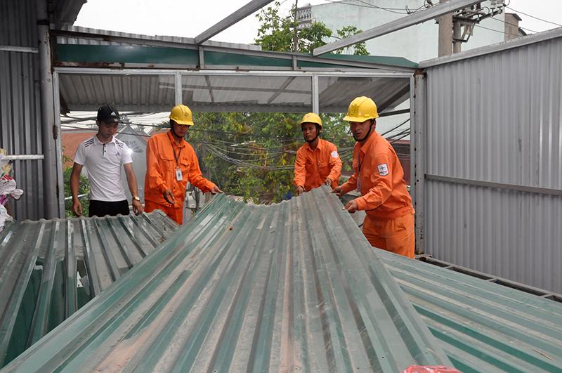 EVNHANOI chủ động bảo vệ hành lang lưới điện cao áp 1