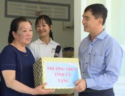 Công ty Nhiệt điện Vĩnh Tân bàn giao nhà cho hoàn cảnh khó khăn